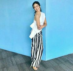 The classy look of Kisses Delavin. All thanks to her stylist, Van Mercado. How To Look Classy, Kisses, Van, Ootd, Stylists, Fashion, Fashion Styles, Vans, Fashion Illustrations