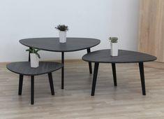 Sada tří odkládacích/konferenčních stolků Ladon je vhodná zejména do jídelen, kuchyní a obývacích pokojů. Vzhledem k třem rozdílným velikostem se dají lehce zkombinovat v prostoru, přičemž dodrží jednotlivý vzhled ez narušení celkového dojmu. Dining Table, Furniture, Home Decor, Decoration Home, Room Decor, Dinner Table, Home Furnishings, Dining Room Table, Home Interior Design