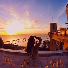 Em tempo: É de perder o folego o pôr do sol no Elevador Lacerda@aninha_pt sabe das coisas, não vá perder o seu  ! Fez um  incrível ? Use a hashtag #nomundololita - sua foto pode aparecer aqui Model Poses Photography, Foto Instagram, Summer Photos, Tumblr Wallpaper, Instagram Story Ideas, Places To Go, Around The Worlds, Photoshoot, Fez