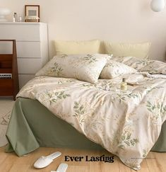 EVER LASTING | ORIGINAL DESIGN 100% Cotton Floral Bedding Set At Ever Lasting, we care about details. Fabric, stitching, thickness. Every detail is considered in the making of our bedding set to ensure that your sleeping experience is not only improved but the best it has ever been. 100% customer Orange Bedding, Green Bedding, Floral Bedding, Queen Bedding Sets, Queen Beds, Flat Bed, Bed Sizes, Duvet Covers, Summer Bedroom