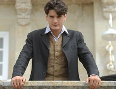 yon gonzalez a gran hotel Series Movies, Movies And Tv Shows, Most Beautiful Man, Beautiful People, Gran Hotel, Romance, Character Aesthetic, Best Actor, Perfect Man