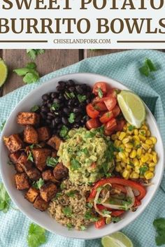 Vegetarian Burrito, Veggie Burrito, Vegetarian Breakfast, Vegetarian Options, Breakfast Bowls, Vegetarian Mexican, Burrito Bowls, Laura Lee, Enchiladas