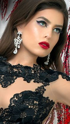 Red Lips 👄 Red And White, Snow White, Glamour, Black Cocktail Dress, Red Lips, Bellisima, Pretty Woman, Beautiful Women, Classy