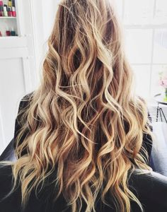 long, subtle, sun-kissed curls 💖 #hair #beauty