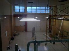 Instalación luces fluorescentes en taller Fagor  Tenerife