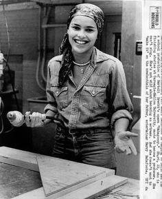 Shari Belafonte. Taken in 1976, when she was in undergrad at Carnegie-Mellon. #PrettyGirlsWithPowerTools