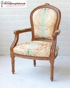 Prachtige barok fauteuil. Ontzettend sjiek! #kringloop #kringloopvondst #thrift #thriftstore
