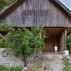 Ofis Arhitekti, Tomaz Gregoric · Alpine Barn Apartment