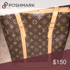Louis Vuitton Purse Great condition Louis Vuitton Purse Bags Shoulder Bags