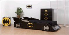 ¿Quién sale de la caja?...Batman!