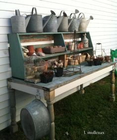 25 Cool DIY Garden P 25 Cool DIY Garden Potting Table Ideas. Great reuse of old beat-up furniture Potting Bench With Sink, Pallet Potting Bench, Potting Tables, Cool Diy, Potting Station, Diy Garden, Garden Sheds, Garden Table, Raised Garden Beds