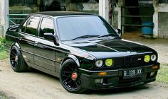 Super black bmw e30 m40