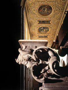 Napoli - Chiesa di san pietro a majella, particolare dell'altare maggiore di cosimo fanzago e del soffitto cassettonato con tele di mattia preti