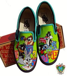 Baby Looney Tunes Plus Tom and Jerry Custom Vans by LuchaLoafers Customised Vans, Custom Vans Shoes, Mens Vans Shoes, Vans Men, Vans Shoes Fashion, All Star, Cute Vans, Painted Canvas Shoes, Creative Shoes