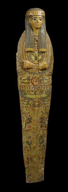 Wood board anthropomorphic sarcophagus. Dynasty XXI of Egypt (1070-945 BC.)