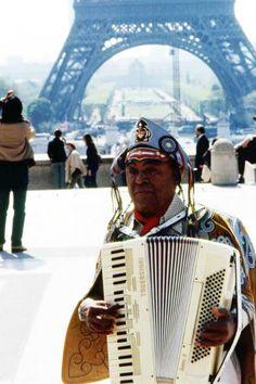 Luiz Gonzaga, O Rei do Baião. Paris. França.           *****Murilo Vidal.