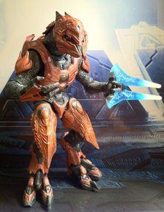 Halo 4 Elite Zealot Action Figure McFarlane Toys Series 1 Review - Halo Toy News