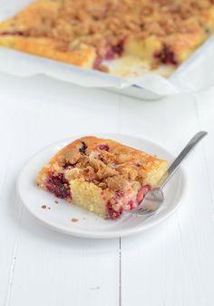 Fruit Crumble, Cake Bites, Bakery Cakes, Desert Recipes, No Bake Desserts, Let Them Eat Cake, Tasty Dishes, No Bake Cake, Sweet Recipes
