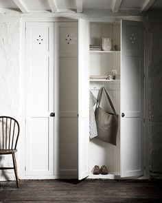 Love a timeless white kitchen? Come learn helpful decorating tips for keeping it cozy with 11 White Kitchen Design Ideas Adding Warmth. Pantry Cupboard, Kitchen Pantry Cabinets, Cupboards, Pantry Doors, Closet Doors, Linen Cupboard, Cupboard Ideas, Pantry Ideas, Tall Cabinet Storage