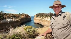 ray mears wild australia - YouTube
