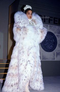 Veronica Webb, Fur Fashion, Fashion Tips, Fox Fur Coat, White Fox, Lynx, Mantel, Fur Jackets, Goddesses