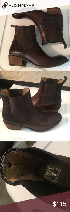 Frye Erin Chelsea Boots Gently worn. In perfect condition. Perfect fall staple!! Make me a reasonable offer and they're yours! ❤️ Frye Shoes Ankle Boots & Booties