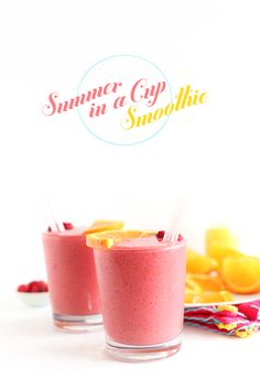 Summer in a Cup Smoothie! 5 ingredients to tart, sweet creamy bliss - frozen raspberries, frozen banana, pomegranate juice, orange juice and almond milk Smoothie Bar, Smoothie Prep, Healthy Smoothies, Healthy Drinks, Smoothie Recipes, Healthy Food, Blackberry Smoothie, Cherry Smoothie, Brunch
