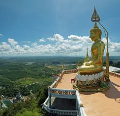 Tiger Cave Temple (Wat Tham Sua) in Krabi town, Krabi, Thailand. | © kallerna/WikiCommons