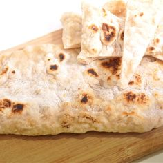 Pain naan de blé entier - Nutritionnistes NutriSimple Naan, Nutrition, Bagel, Bread Recipes, Muffin, Pizza, Cheese, Snacks, Desserts