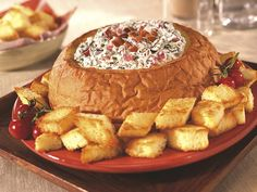Bacon Spinach Dip: Everybody loves bacon! And by adding some spinach, tomato, and delicious KING'S HAWAIIAN Original Hawaiian Sweet Round Bread, you will have a fantastic dip for everyone to enjoy. King Hawaiian Rolls, Kings Hawaiian, Dip Recipes, Snack Recipes, Cooking Recipes, Yummy Recipes, Apple Recipes, Recipies, Appetizer Dips