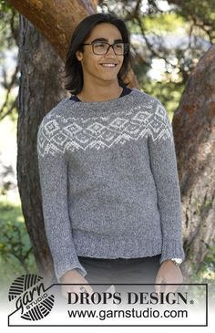 Ashbury Park / DROPS - Men's knitted jumper with round yoke and multi-coloured Nordic pattern, worked top down. Sizes S - XXXL. The piece is worked in DROPS Air. Pullover Design, Sweater Design, Moda Chic, Moda Boho, Drops Design, Fair Isle Knitting, Free Knitting, Sweater Knitting Patterns, Knit Patterns