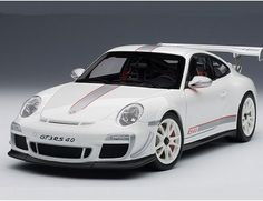 The Autoart 1/18 Porsche 911 (997) GT3 RS 4.0 In White is a superbly detailed diecast car and is part of the Autoart 1/18 collection.
