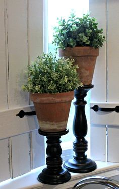 The Ultimate One Minute Craft DIY Topiary Pillars- great way to add a Terra cotta, earthy feel to living room Topiary Centerpieces, Centrepieces, Decoration Plante, Creation Deco, Diy Décoration, Farmhouse Style Decorating, Porch Decorating, Decorating Tips, Farm House Decorating