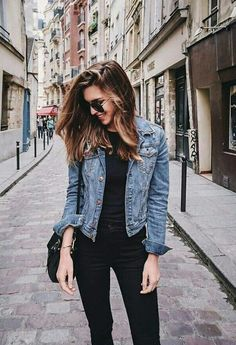 15 Cheap Blue Denim Jacket Outfit Ideas for Fall - Outfits Look Fashion, Autumn Fashion, Fashion Outfits, Womens Fashion, Fashion Trends, Fashion Edgy, Classy Fashion, Hipster Fashion, Fashion Vintage