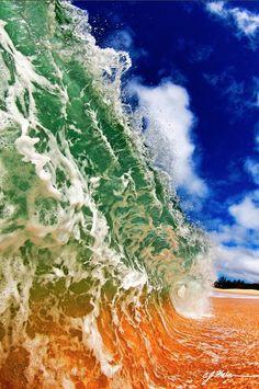 Beautiful Ocean Waves from Incredible Perspectives - My Modern Metropolis