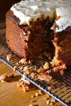 Hide and go Cook: Donna Hay Flourless Carrot Cake Gluten Free Carrot Cake, Gluten Free Cakes, Gluten Free Baking, Gluten Free Desserts, Almond Recipes, Baking Recipes, Cake Recipes, Dessert Recipes, Slow Cooker Desserts