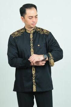 Batik Muslim, Batik Fashion, Bomber Jacket, Menswear, Formal, Lace, Bb, How To Wear, Jackets