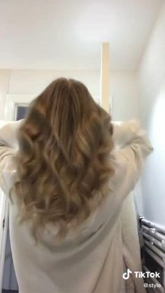 Easy Hairstyles For Long Hair, Curly Hair Tips, Pretty Hairstyles, Braided Hairstyles, Curly Hair Styles, Hair Videos, Hair Tips Video, Hair Upstyles, Aesthetic Hair