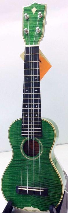 lardyfatboy: Kamoa 700 Soprano (love the finish) =Lardys Ukulele of the day… Ukulele Soprano, Ukulele Chords, Mountain Dulcimer, Cool Ukulele, Happy Song, Song Play, Mandolin, Flutes, Axe