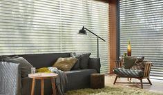Laat u inspireren door Luxaflex® raamdecoratie. Outdoor Chairs, Outdoor Furniture Sets, Outdoor Decor, Window Styles, Blog Deco, Curtains With Blinds, Window Coverings, Living Room Interior, Store Design