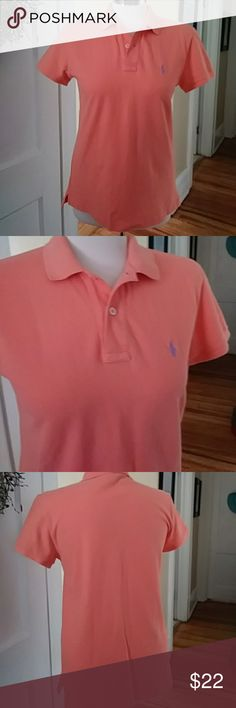 🆕🐎 Ralph Lauren polo classic fit short sleeve EUC. Ladies size small classic fit Polo from Ralph Lauren. 16 and a half in under armpit to bottom 16 in pit to pit laying flat across. Ralph Lauren Tops