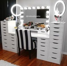 Follow:Arianna Diamondfor more poppin' pins!! Makeup Collection Storage, Makeup Storage, Makeup Organization, Bathroom With Makeup Vanity, Makeup Vanities, Makeup Furniture, Home Hair Salons, Hair Stations, Queen Room