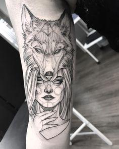 53 Cool Animal Tattoo Ideas - Chicbetter Inspiration for Modern Women 53 coole Tier Tattoo Ideen - s First Tattoo, Tattoo You, New Tattoos, Body Art Tattoos, Tatoos, Celtic Tattoos, Belly Tattoos, Thigh Tattoos, Tattoo Fonts