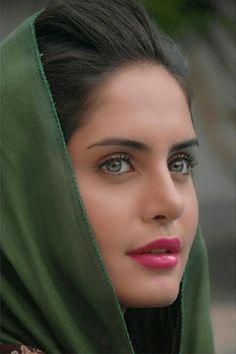 persian girl with beautiful eyes women iranian beauty