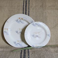 vintage STUDIO POTTERY salad plate with COW decoration Hand turned u0026 hand painted FARMhouse kitchen Wall & vintage STUDIO POTTERY dinner plate with COW decoration Hand turned ...