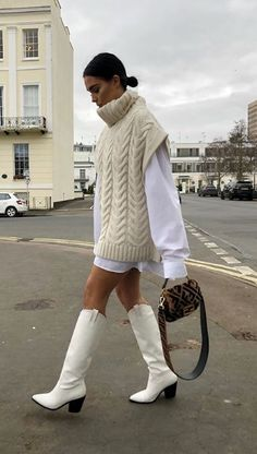 Preppy Outfits, Vest Outfits, Cute Outfits, Knitwear Fashion, Fashion Pants, Fashion Outfits, Fall Winter Outfits, Winter Fashion, Botas Western