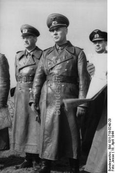 France, Pas de Calais (KVA C) - General Field Marshal Erwin Rommel during an inspection of the Atlantic Wall; left Lieutenant General Dr. Hans Speidel, General Field Marshal Erwin Rommel; PK KBZ OB West  Dating: April 18, 1944.