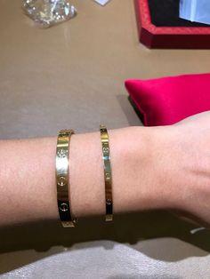 Cartier Love Bangle, Cartier Bracelet, Cartier Jewelry, Cute Bracelets, Bangles, Apple Watch Fashion, Layered Jewelry, Luxury Jewelry, Stone Jewelry