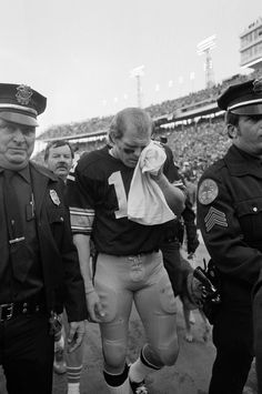 Super Bowl X -- Pittsburgh Steelers 21, Dallas Cowboys 17  JAN. 18, 1976 (Orange Bowl, Miami) -- Pittsbugh Steelers quarterback Terry Bradshaw walks off the field after he was injured during the fourth quarter of Super Bowl X. (AP Photo)