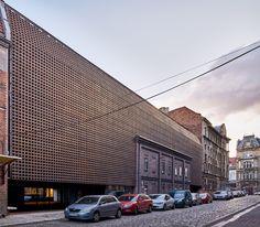 http://afasiaarchzine.com/wp-content/uploads/2018/05/BAAS-.-Silesia-Universitys-Radio-and-TV-department-.-Katowice-1.jpg